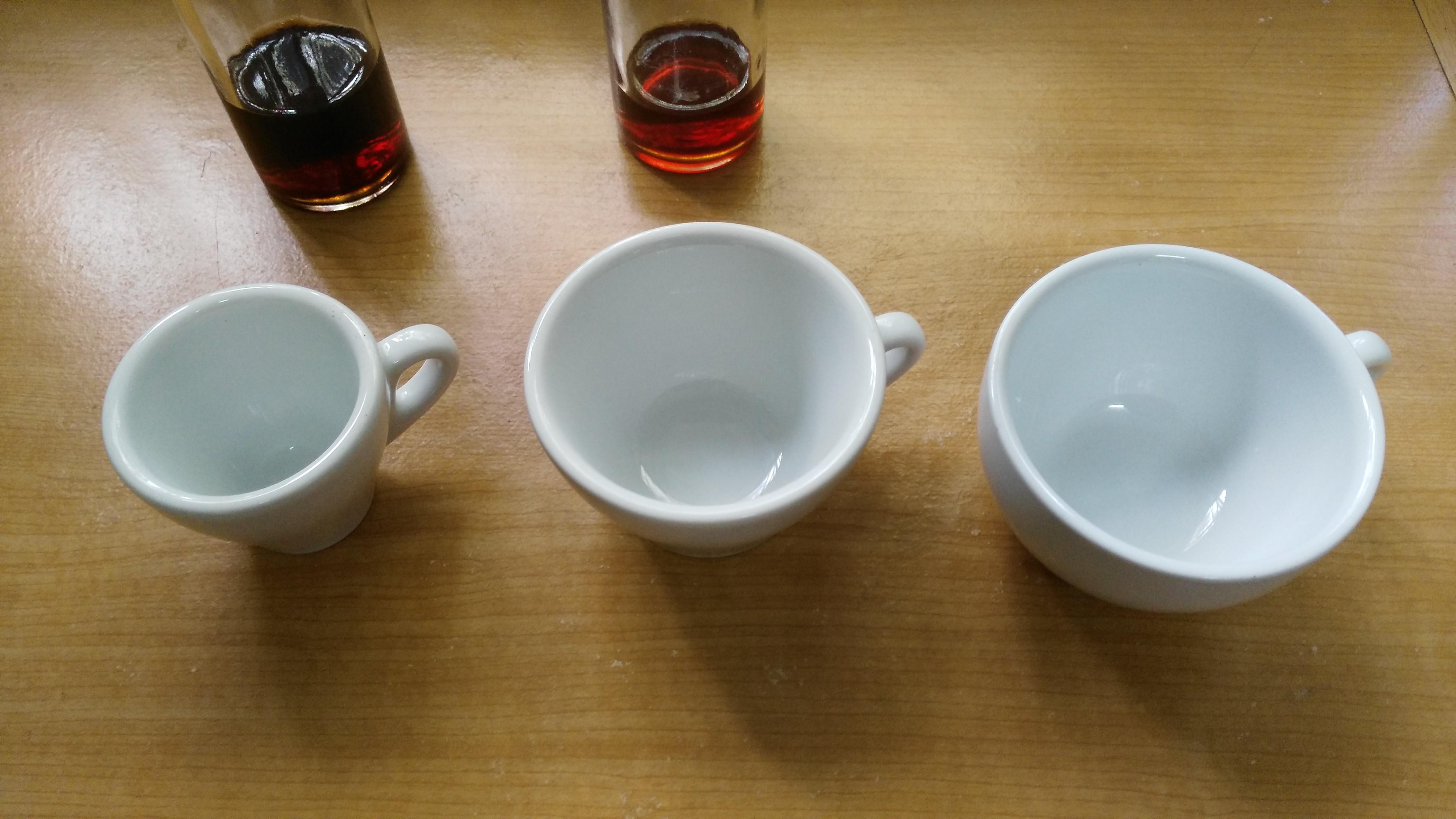 ถ้วยกาแฟร้อน